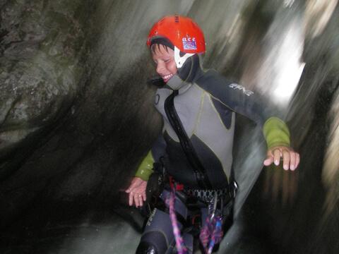 Canyoning rappel chute d'eau Chamonix