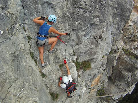 Grimpe en Via-ferrata en toute sécurité Chamonix